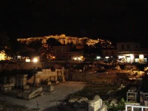 Akropolis yöllä